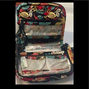 "Vera Bradley cosmetic bag zippered closure 8"" x 6"""
